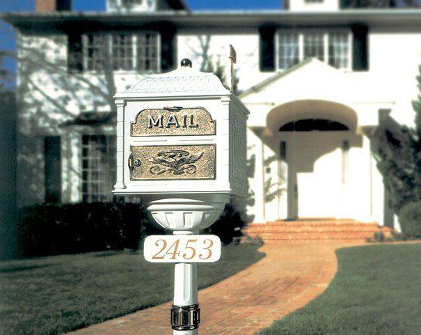 Gaines Classic Mailbox